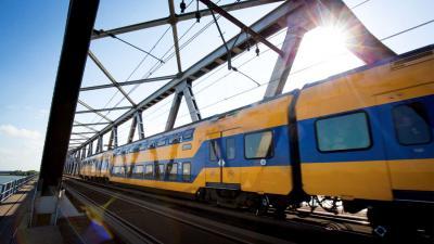 Treinverkeer Moerdijkbrug na hapering dan toch weer hervat