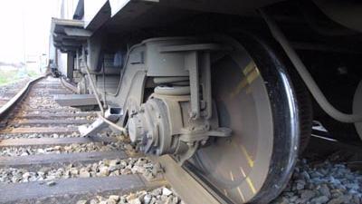 Foto van onderstel ontspoorde trein   Archief EHF