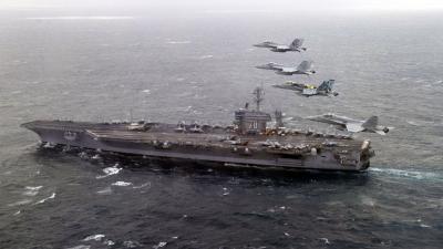 foto van vliegdekschip USS Nimitz
