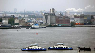 Amsterdam neemt 'historische besluit' met brug over het IJ