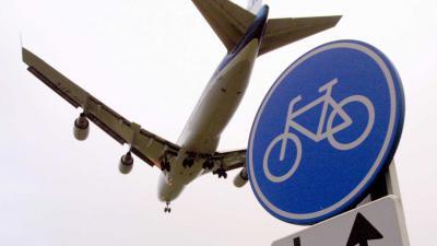 vliegtuig-fietsbord-schiphol