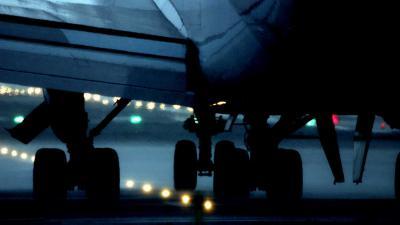Boeing 747 voor opstijgen van de baan geraakt in Maastricht