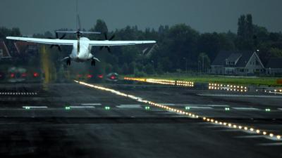 Foto van vliegtuig opstijgen | Archief EHF
