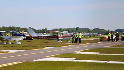 vliegtuigje-vliegveld
