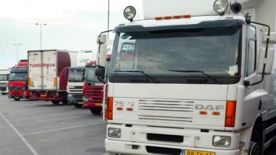 FNV sleept transportbedrijf Vos voor rechter om loondumping en concurrentievervalsing