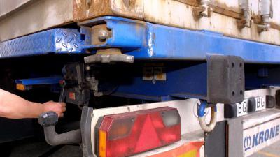 vrachtwagen-container-chauffeur