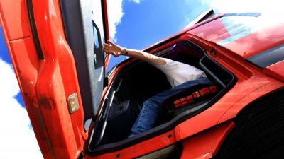 Foto van vrachtwagen chauffeur cabine | Archief EHF