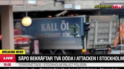 Vrachtwagen rijdt in op winkelend publiek Zweden