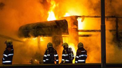 Vrachtwagen in brand op A58