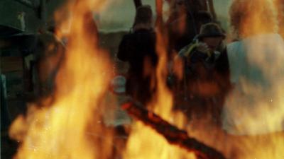 Jongen loopt brandwonden op bij vuurtje steken