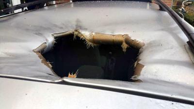 Zwaar vuurwerk slaat krater in auto in IJsselstein