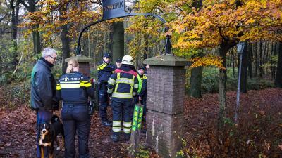 Wandelaar stuit op brandend lichaam in bosgebied Boxtel