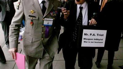 Protest tegen wapenbeurs in RAI Amsterdam