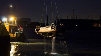 foto auto te water | Flashphoto | www.flashphoto.nl