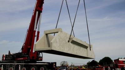 Waterinlaat van 40.000 kilo voorkomt wateroverlast in Meppel