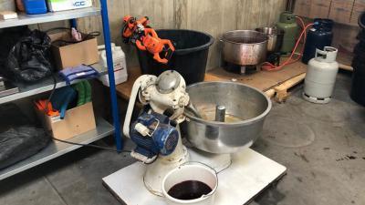 Opstelling voor maken waterpijptabak