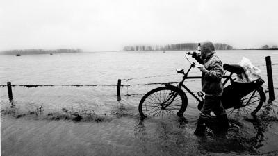 NU.nl Identiteit doden watersnoodramp blijft onbekend