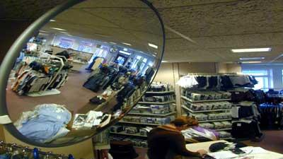 Foto van spiegel winkel diefstal | Archief EHF