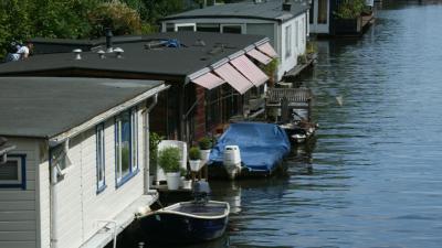 Laatste waarschuwing voor woonbooteigenaren in Amsterdam