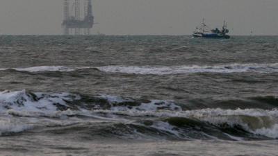 Foto van booreiland in Noordzee | Archief EHF