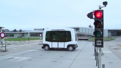Zelfrijdende auto tussen Ede-Wageningen is wereldprimeur